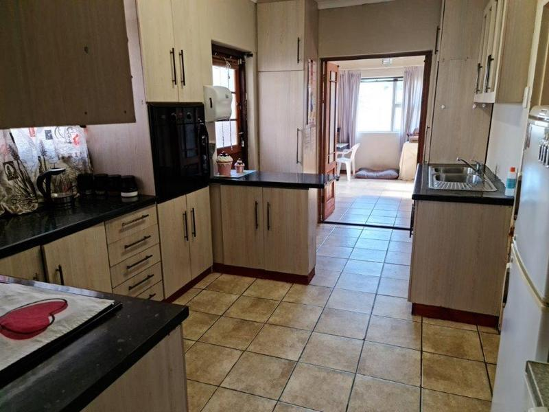 Property For Sale in Belmont Park, Kraaifontein 4